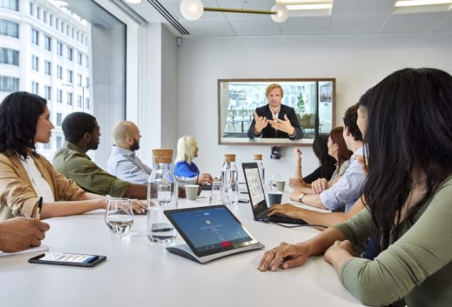 StarLeaf-video-conferencin-meeting-taking-place